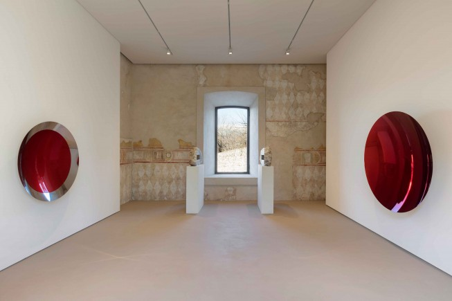 Rocca-di-Angera_Ala-Scaligera_Continuum_Anish-Kapoor_Untitled_Mirror_Untitled_credits-Andrea-Rossetti