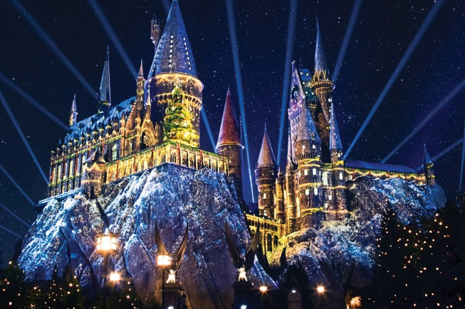 """""""Christmas in the Wizarding World of Harry Potter"""" at Universal Studios Hollywood"""
