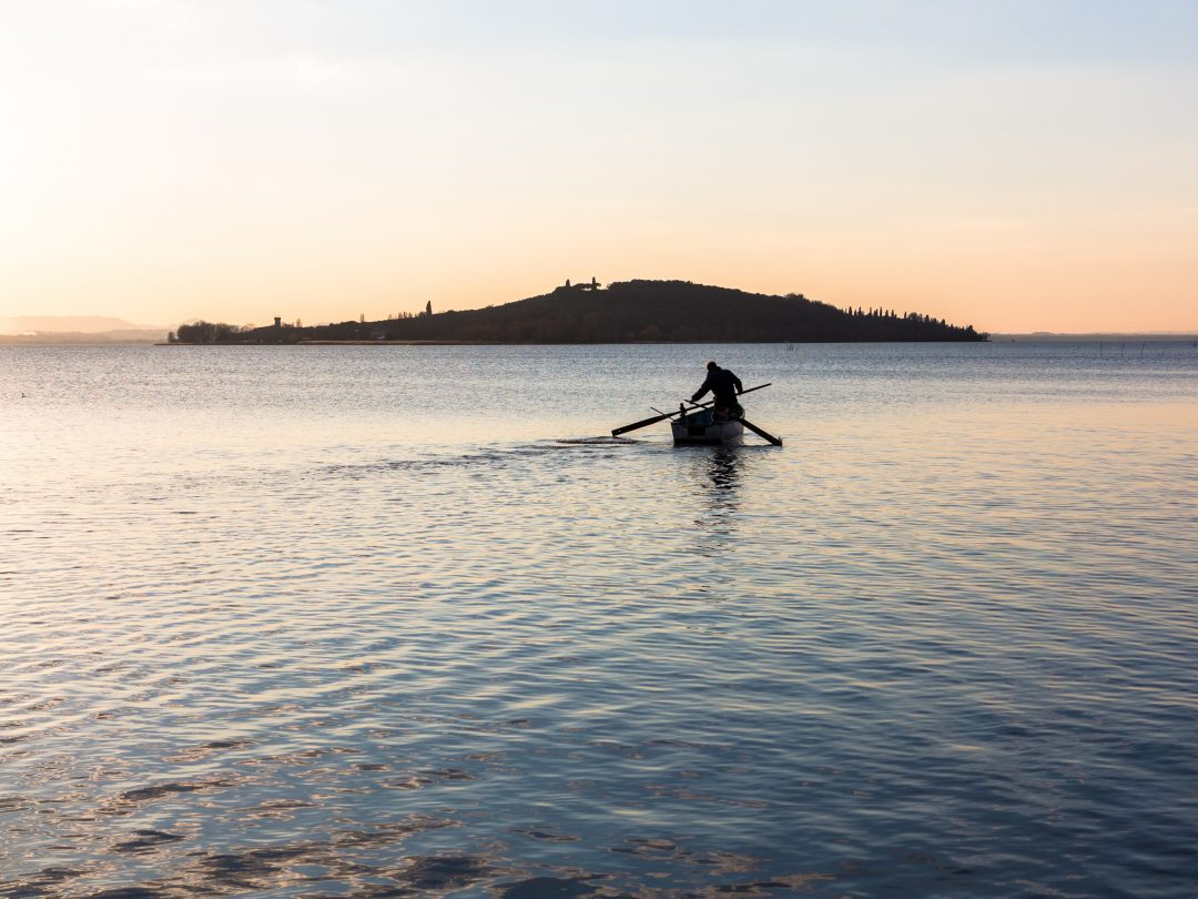Sette isole da scoprire in un weekend al lago