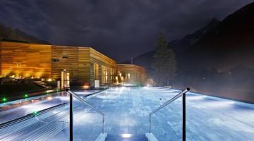 11. QC Terme Chamonix infinity pool
