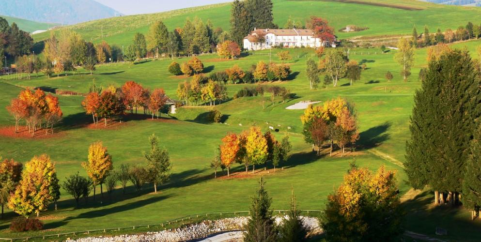 Foliage italiano: 15 mete per ammirare lo spettacolo d'autunno a un passo da casa