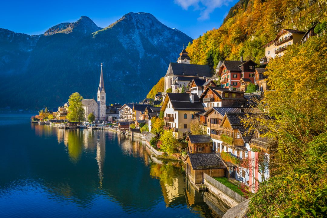 "Hallstatt ""made in Cina"": trova le differenze"