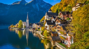 Hallstatt mountain village in fall, Salzkammergut, Austria