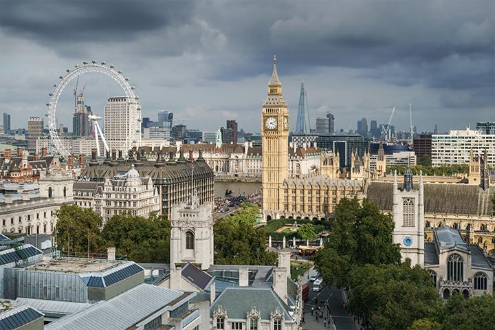 Jeffrey Archer: 10 indirizzi per vivere Londra come un vero Lord