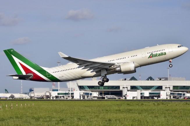 Il nuovo volo Alitalia per Mauritius è un Airbus 330. Foto di Matteo Buono