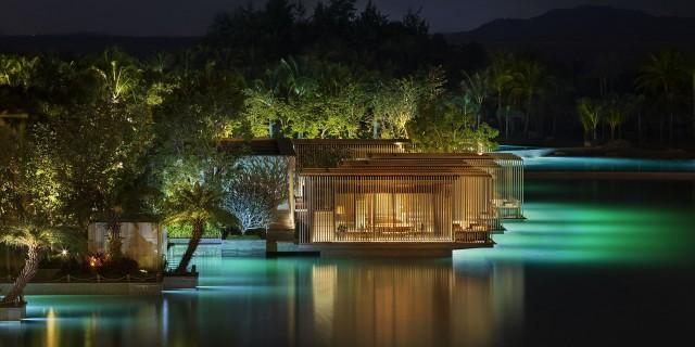 THE SANYA EDITION (CINA) – Si trova sull'isola di Hainan, lungo la costa meridionale cinese. Sono 512 le camere e 17 le ville con piscina privata e vista sull'oceano, tutte arredate instile moderno. Info:editionhotels.com