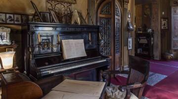 aVilla Puccini, il pianoforte del Maestro