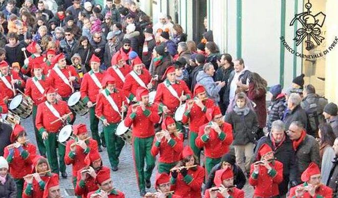 Foto Ivrea: il Carnevale più pazzo d'Italia