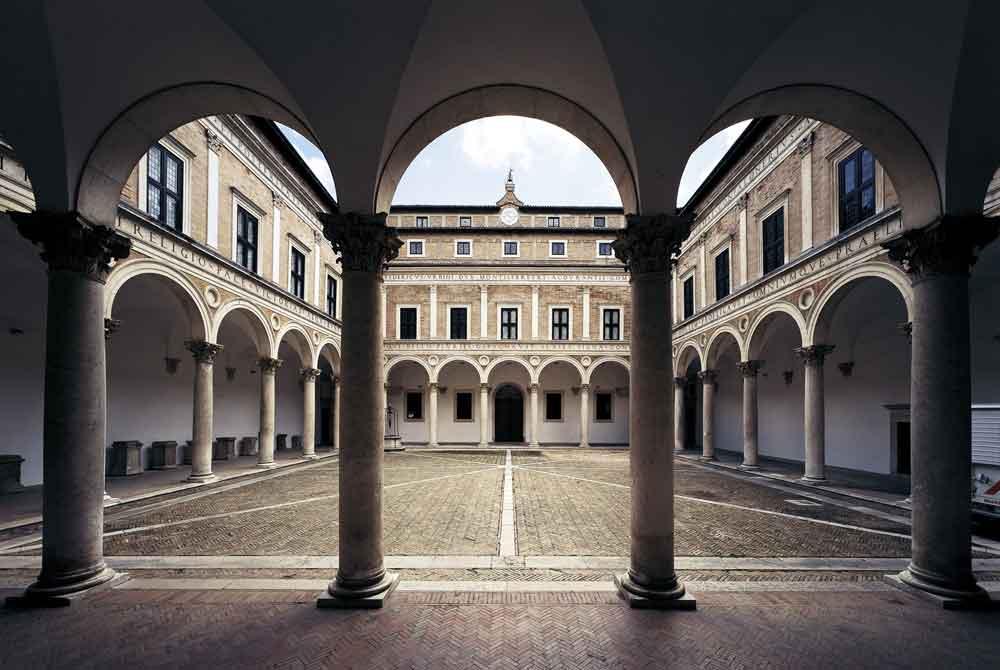 Lorenzo Lotto nelle Marche: itinerario in 8 tappe tra arte e paesaggio