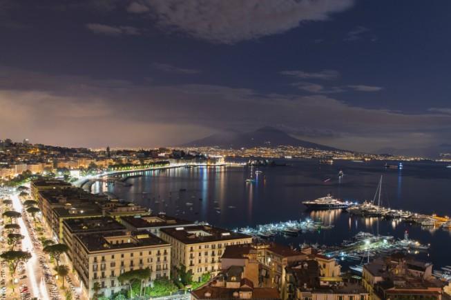 Vista sulla baia di Napoli (foto: iStock).