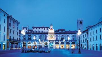 NEW-Piazza-Loggia—Torre-dell'orologio-notturno