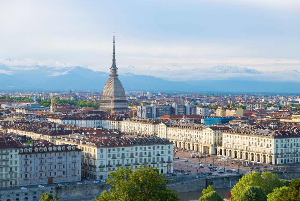 Italia, è caccia alle dimore di prestigio
