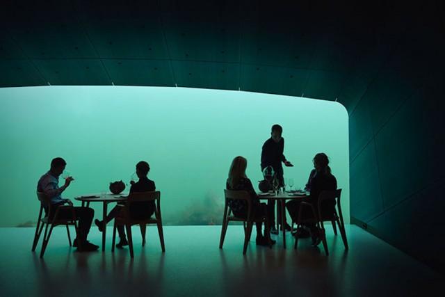 Cenare dentro il mare, in Norvegia