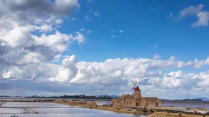 Foto Marsala, tour tra vini, saline e spiagge