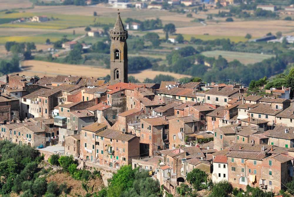 01_PECCIOLI_Veduta-borgo