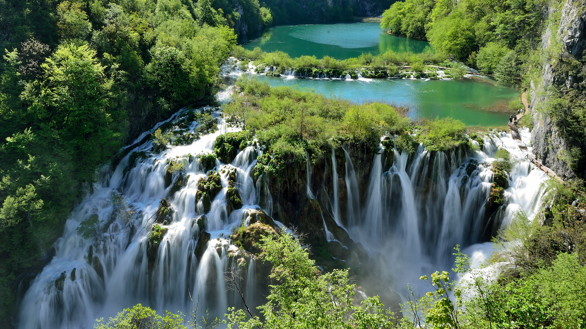Photo 1. (Main photo) Plitvice_lakes