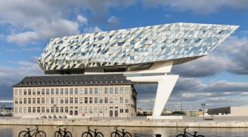 Fiandre_Anversa, la Port House al porto di Anversa, progettata da Zaha Hadid