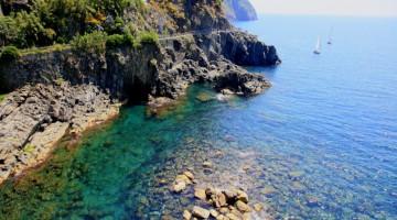 Mediterranean sea from Riomaggiore to Manarola: Via dell'Amor , Cinque Terre, Italy
