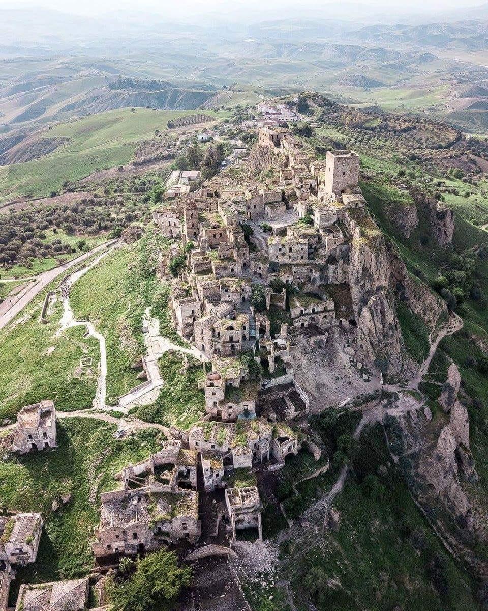 Basilicata: Castello di Craco (e parco museale)