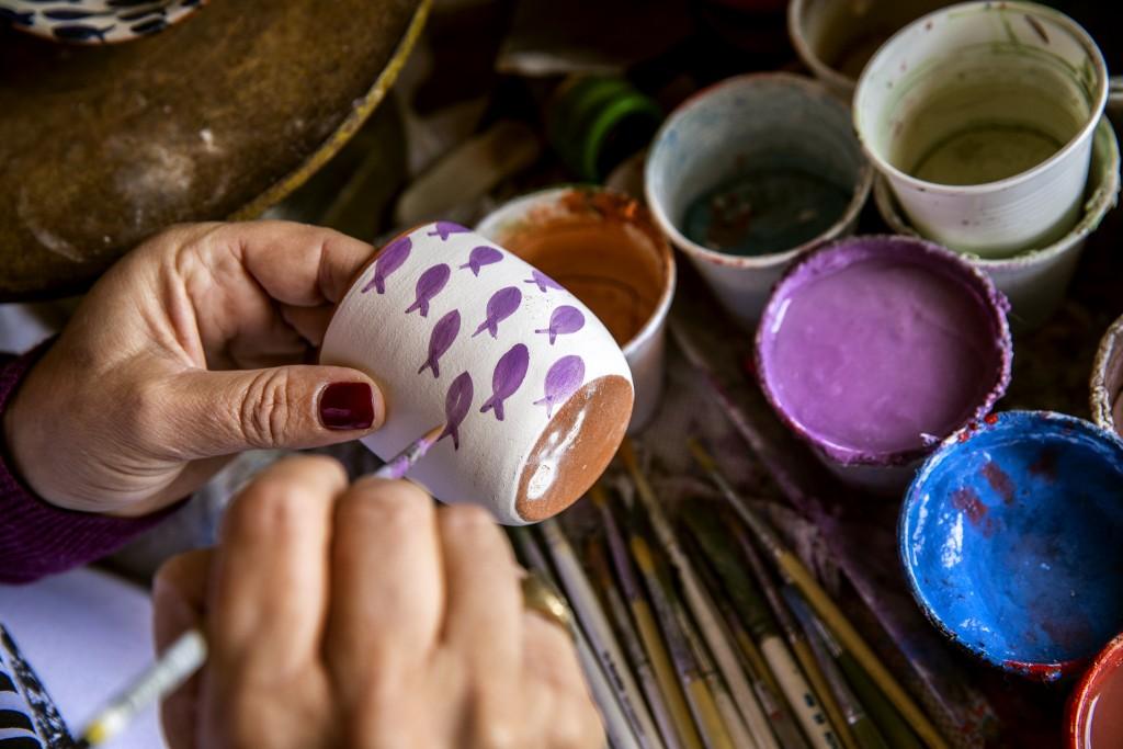 Chios, Armolia, lavorazione di ceramica