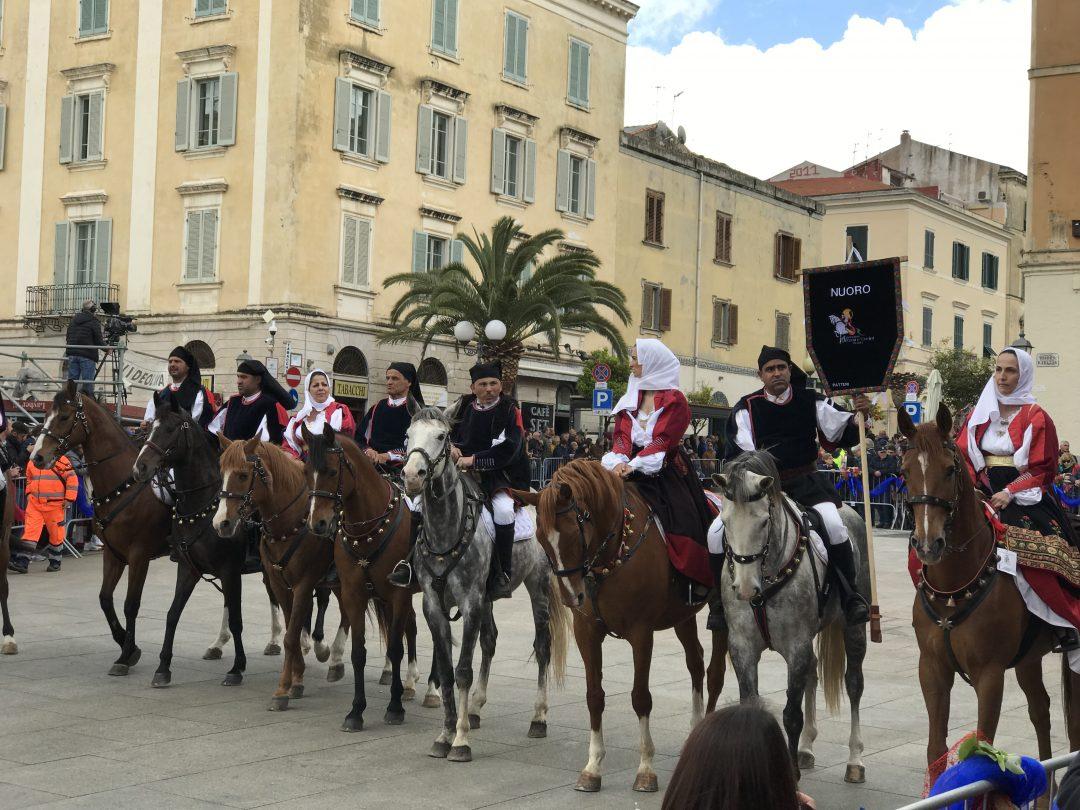 Tour in Sardegna, tra mare e tradizioni