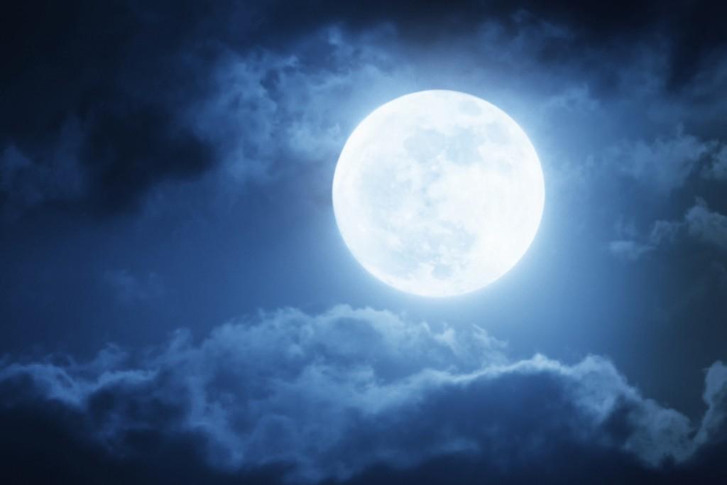 Full moon - luna piena - blue mood