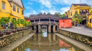 Japanese Covered Bridge, also called Lai Vien Kieu