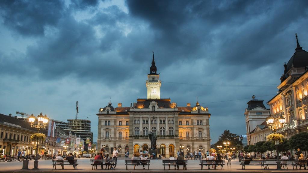 Cosa vedere in Serbia: Passeggiata nel centro storico di Novi Sad (Ph: iStock).