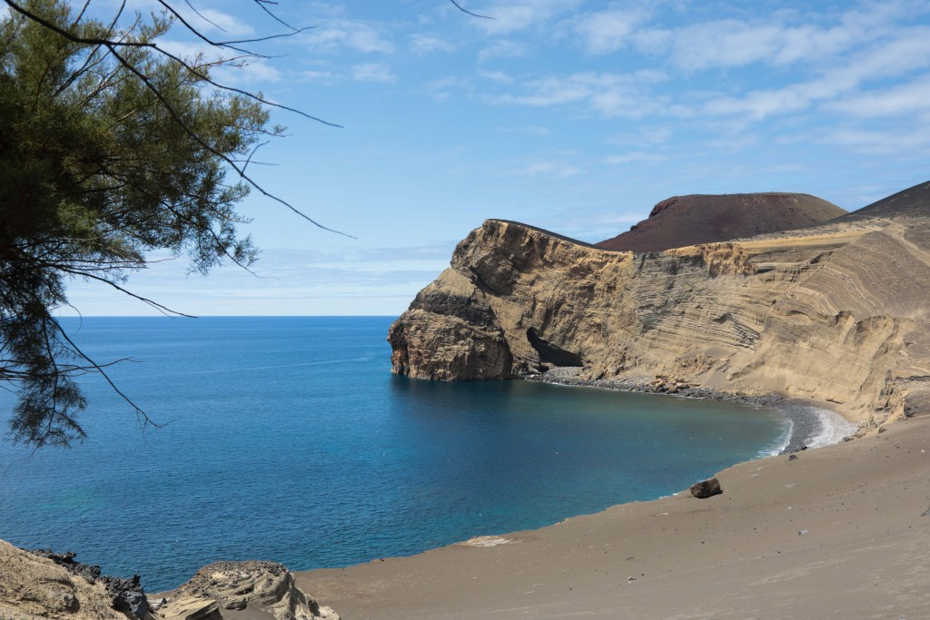 Trekking alle isole Azzorre: spiaggia di Faial