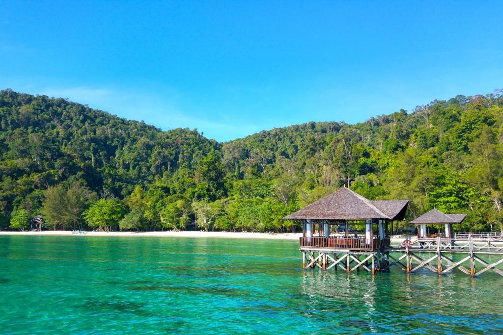 Si arriva in barca al Bunga Raya Island Resort (ph_ Alessia Merati).