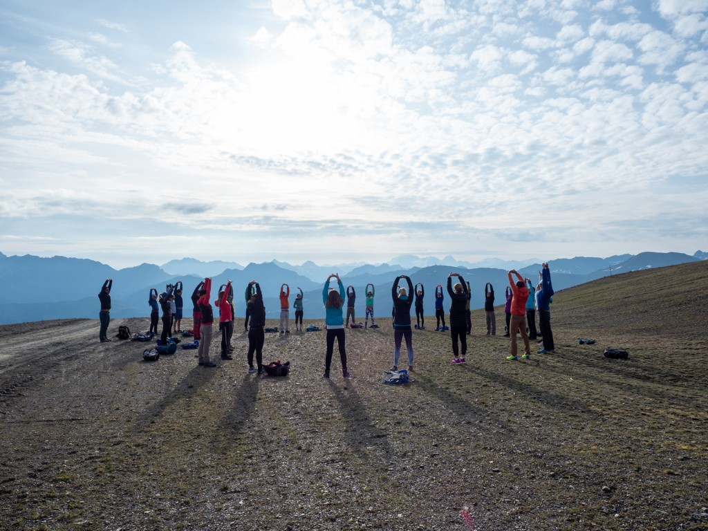 Yoga Experience all'alba, dal Rifugio Carosello 3000 al Madonon. Photo credit Fabio Borga
