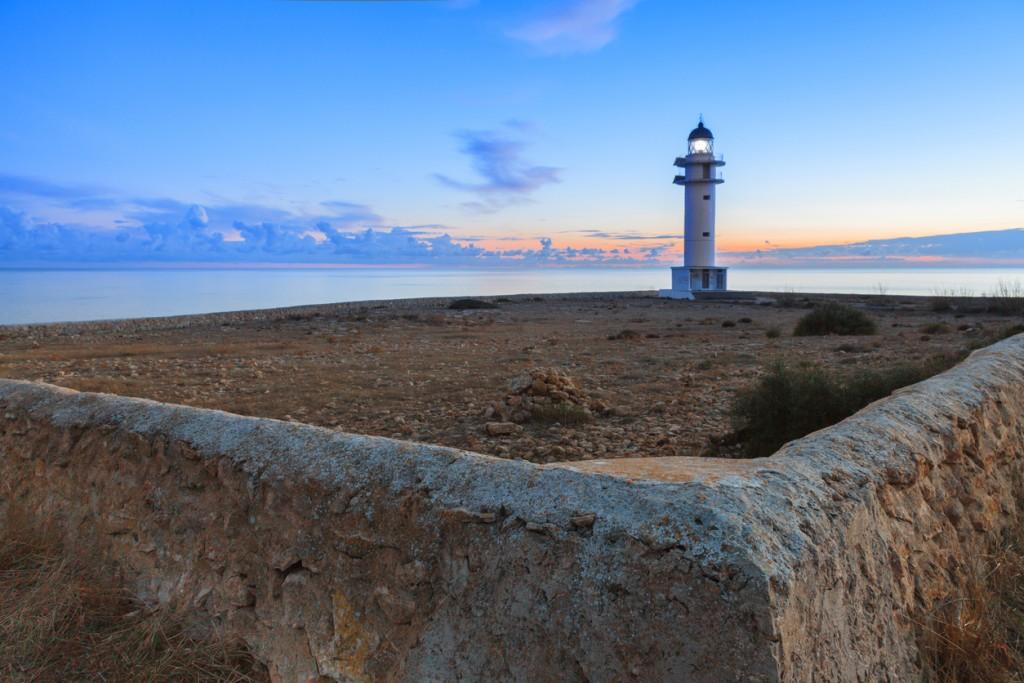 Faro di Cap de Barbaria a Formentera, credit istock Photo
