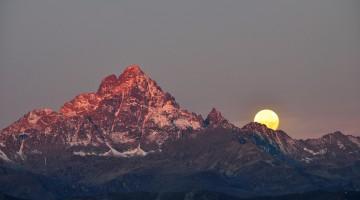 L'alba sul Monviso