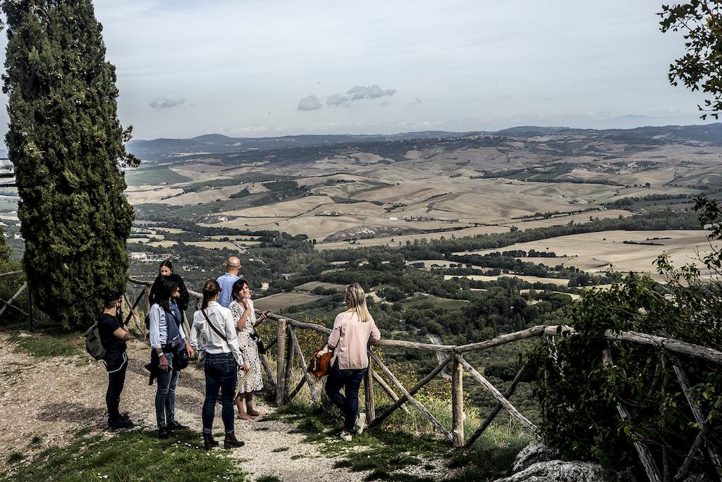 Tra le Crete Senesi e la terra del Brunello