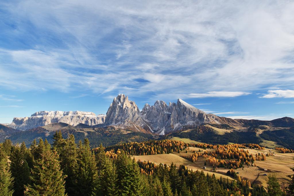 Per chi ama la montagna (in tutte le stagioni), l'Alpe di Siusi è il luogo ideale per un weekend rilassante e rigenerante, in coppia o in famiglia.