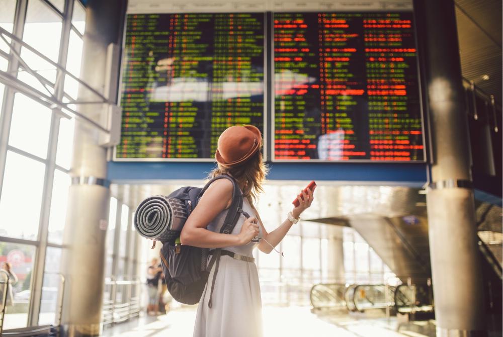 Volo aereo in ritardo o cancellato, come comportarsi