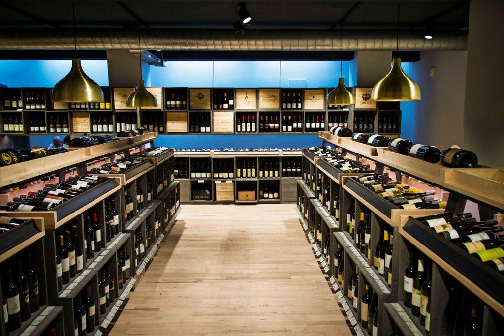 Da Pur Südtirol, a Bolzano, si trovano i migliori prodotti, dai vini alle mostarde, dell'Alto Adige.