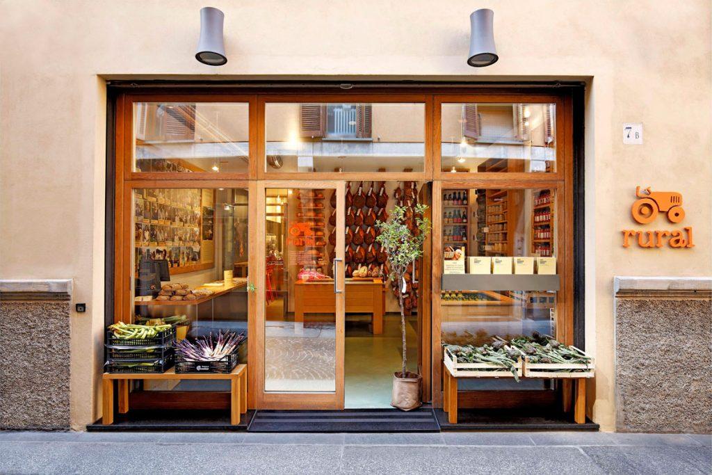regali gastronomici: La vetrina di Rural Market, a Parma.