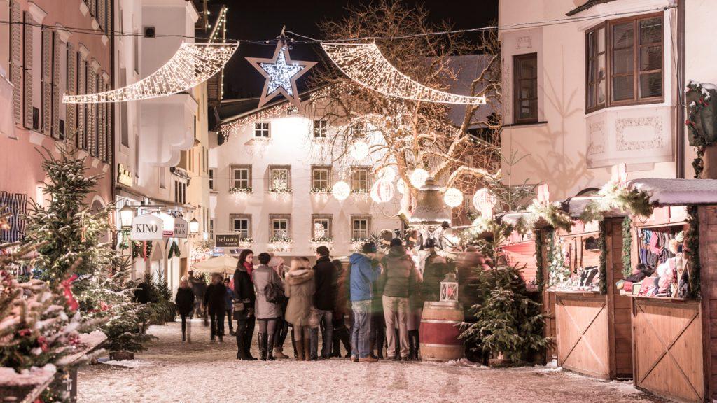 Mercatini di Natale in Tirolo, Austria: a Kitzbühel, bancarelle e neve