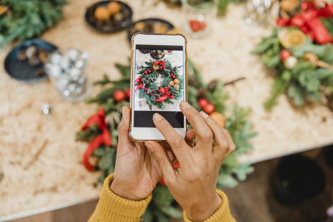 Smartphone, tablet, pc: come proteggersi prima di partire per le vacanze