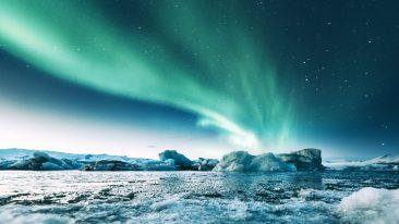 Vedere l'aurora boreale in Islanda alla laguna Jökulsárlón
