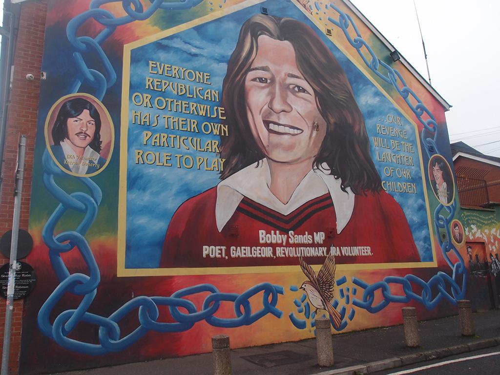 Belfast e Derry: le foto dei murales più importanti