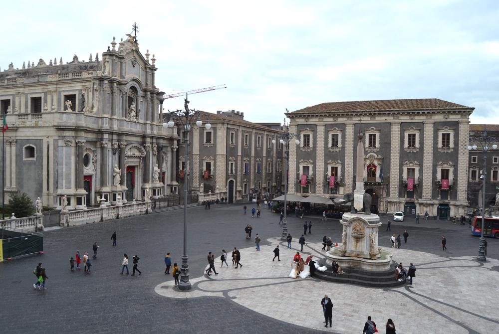 Catania: dalla cattedrale di Sant'Agata al porto. Con vista sull'Etna