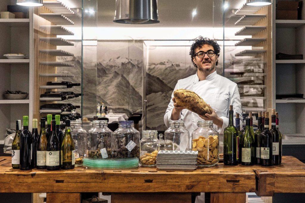 Mauro Vielmi, chef di Sapì, a Esine, celebre per la selvaggina.