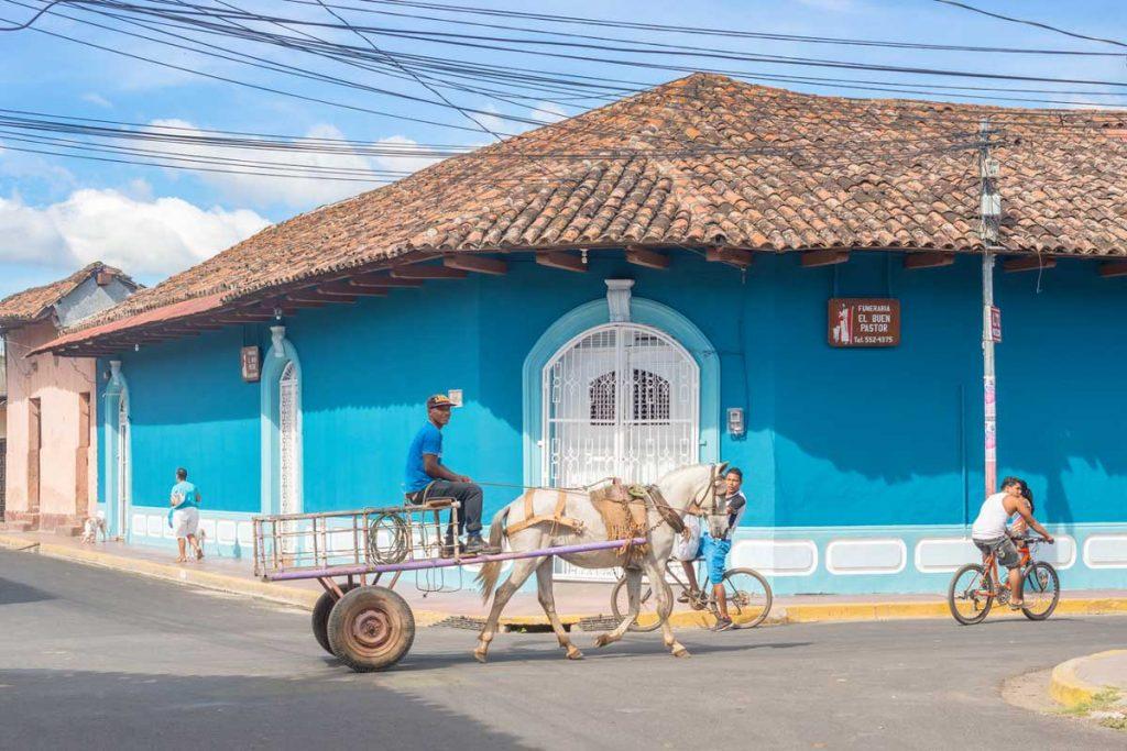 case colorate nel centro di Granada, città del Nicaragua