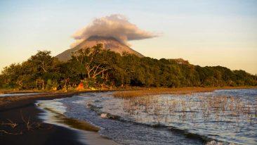 la spiaggia di Jesus and Mary sull'isola di Ometepe in Nicaragua