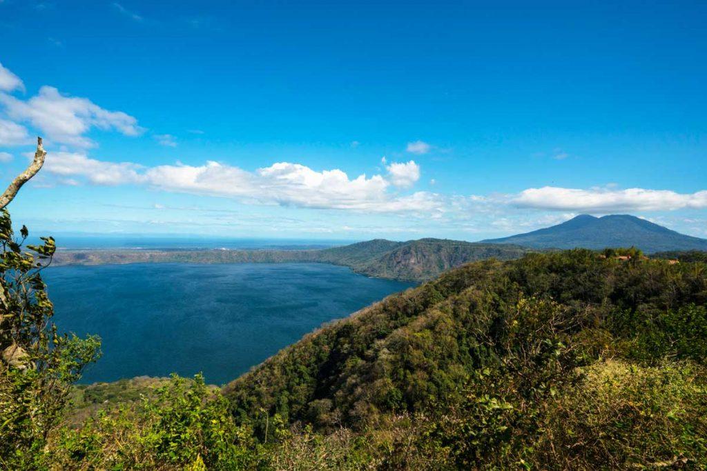 vista della Laguna di Apoyo in Nicaragua