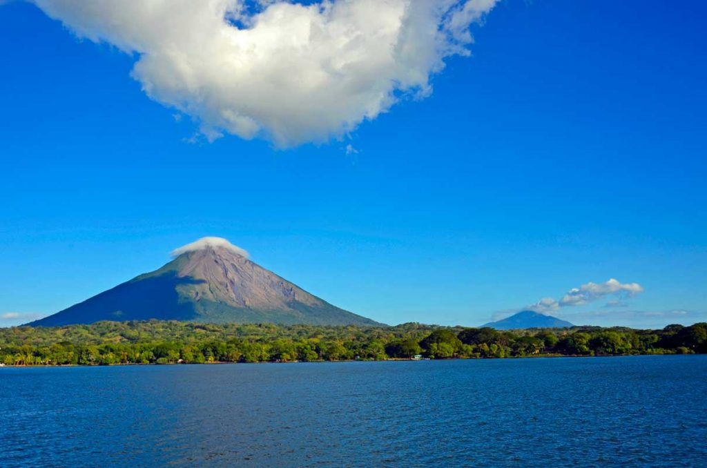 Uno dei vulcani sull'Isola di Ometepe, nel Lago Nicaragua