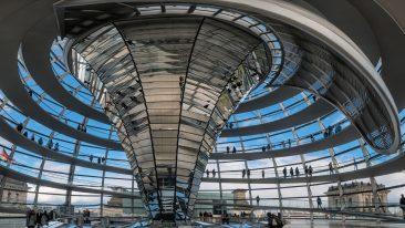Tra le grandi cupole del mondo, Reichstag di Berlino
