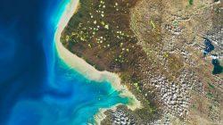 Foto Il nostro è un pianeta straordinario: le foto della Terra condivise dalla Nasa